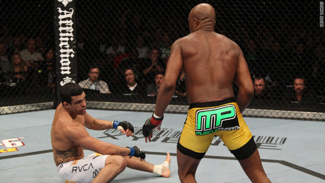 Vitor Belfort got knocked to the mat with a single kick to the jaw by Anderson Silva at the Ultimate Fighting Championship.