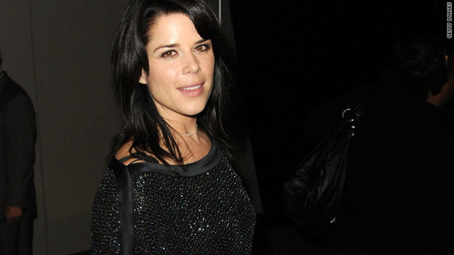 Neve Campbell, the eco-conscious Toronto native, talks to Health.com about the pressures of looking slim.