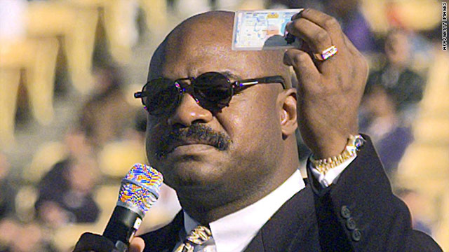 Dave Duerson. who committed suicide in February, had  evidence of chronic traumatic encephalopathy, a dementia-like brain disease.