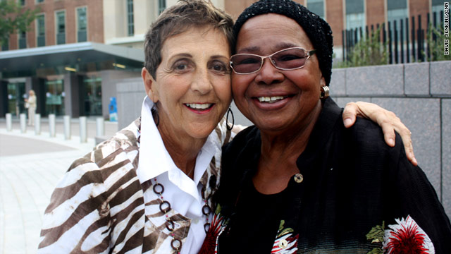 Breast cancer patients Pat Howard (left) and Heraleen Broome. Both are attending FDA hearings on the drug Avastin.