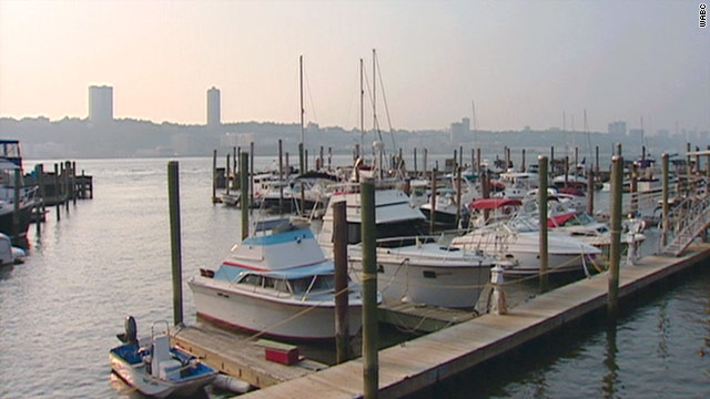 Wastewater from a treatment plant has leaked into the Hudson River, causing health advisories on four beaches.
