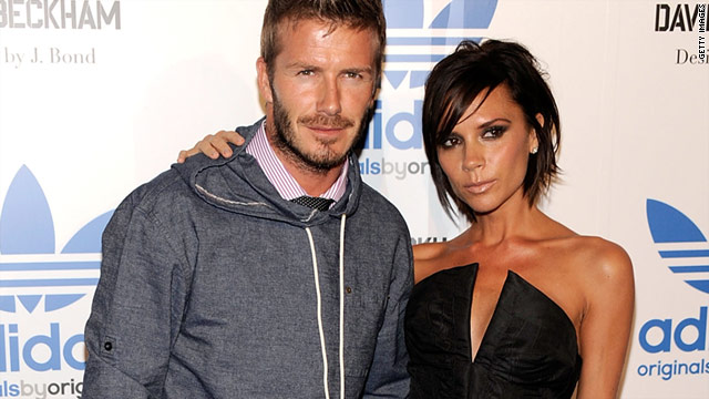 Soccer star David Beckham won't share a bathroom with his supermodel wife Victoria because he can't stand her clutter.