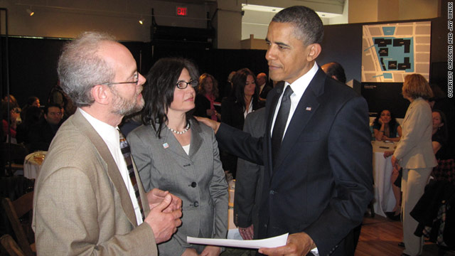 Jay and Carolyn Winuk talk to President Obama in New York at an event for 9/11 family members.