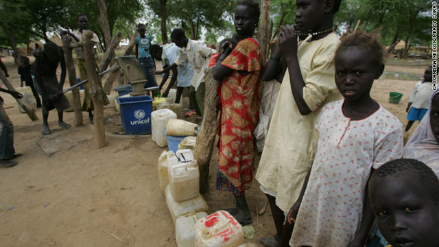 Some of the thousands of people who were displaced by recent violence in the Abyei area fled south to the town of Agok.
