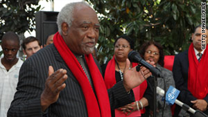 The office of Rep. Danny Davis has filed a report with Capitol Hill police over an e-mail  threat.