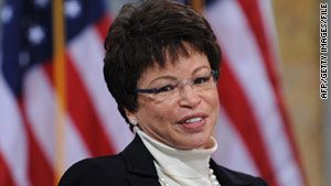 Obama adviser Valerie Jarrett reportedly mistook a top general for a waiter at a dinner.