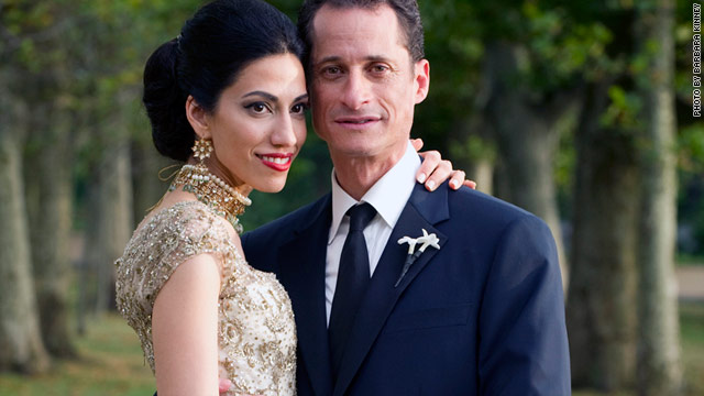 Huma Abedin and Anthony Weiner at their wedding, which was officiated by former President Bill Clinton.