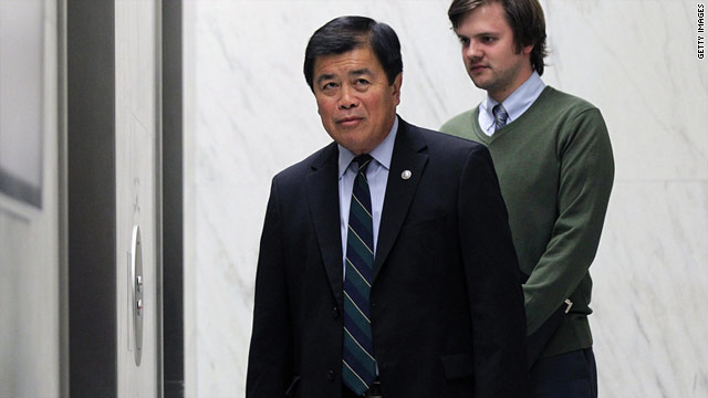 Rep. David Wu is accused of making unwanted sexual advances toward a fundraiser's daughter.