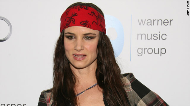 Actress/singer Juliette Lewis stopped by Warner's post-Grammy party on Sunday night.
