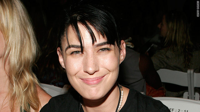 """Just because you're wearing a goofy hat doesn't make it performance art,"" Kathleen Hanna says of modern music."