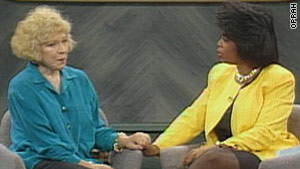 Truddi Chase talks about her 92 distinct personalities with Oprah. Chase died last year.