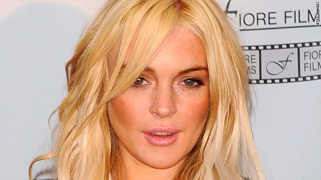 Lindsay Lohan must wear an ankle bracelet and be confined to her Venice, California, home, authorities said.