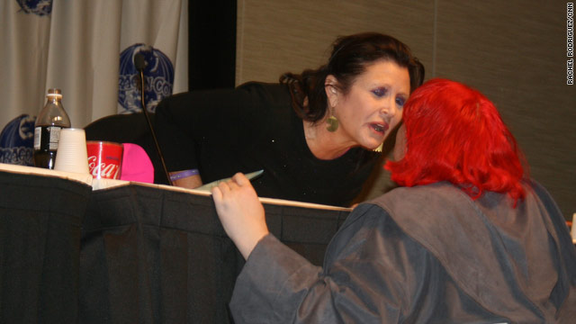 How jealous were all the men in Carrie Fisher's panel when she leaned over and smooched a female fan?