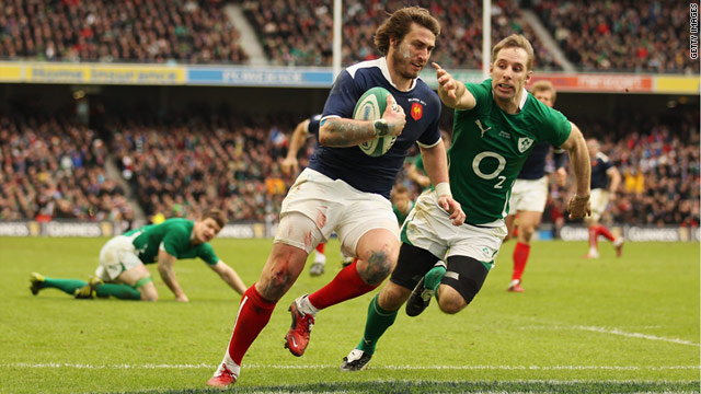 Maxime Medard surges clear to score France's crucial try in Dublin in their 25-22 victory.