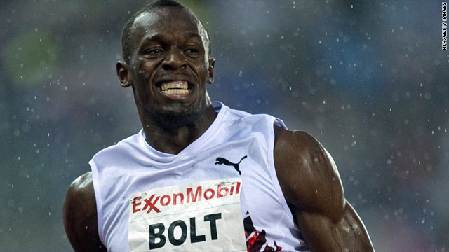 Usain Bolt brightened up a miserable evening with an impressive victory in the men's 200m in Oslo.