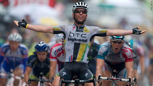 Mark Cavendish in familiar pose after winning the 11th stage of the Tour de France.