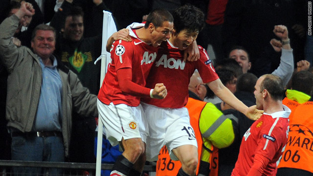 04d2fe14c20 Manchester United seal semifinal place as 10-man Chelsea crash out ...