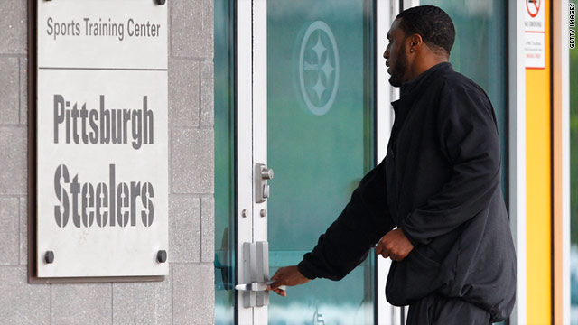 Ryan Mundy of the Pittsburgh Steelers reports to the team's training facility on Friday, before the court ruling was announced.