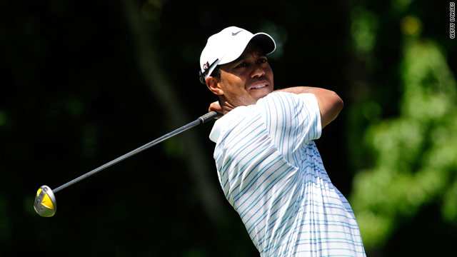 The worldwide economic downturn has forced Tiger Woods' golf course development in Dubai to be put on hold.