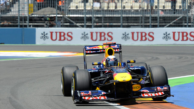 Sebastian Vettel is cruising towards a second successive world title after another impressive victory in Valencia.