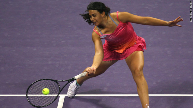Second seed Marion Bartoli is the highest ranking player in the Malaysian Open after Francesca Schiavone's defeat.