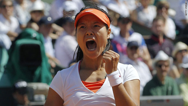 Li Na celebrates after becoming the first Chinese player to make the French Open final.