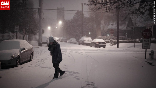 About 2 inches of snow had fallen in Atlanta's Grant Park area a couple of hours after it started Sunday night, iReporter Cody Wellons said.
