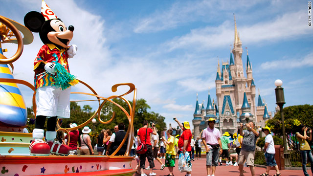 Conquer the crowds with this absolutely indispensable guide to Disney World.