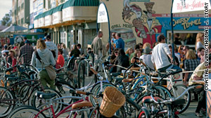 The South Bay Bicycle Trail passes through bustling Venice Beach.