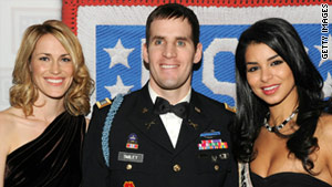 Van Cleave Award recipient Captain Scott Smiley attends the 49th USO Armed Forces Gala & Gold Medal Dinner.