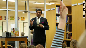 "Calvin Ramsey speaks to Atlanta schoolchildren about the ""Green Book."""