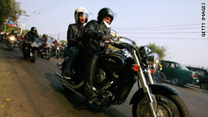 Motorcycle helmet use dropped from 67% in 2009 to 54% in 2010, according to a national highway safety organization.