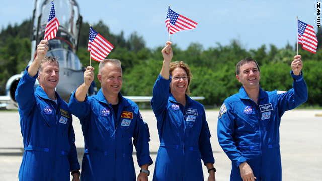 Crew arrives for final shuttle mission