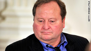 Montana Gov. Brian Schweitzer has criticized the speed and comprehensiveness of the response to the oil spill.