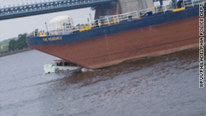The Delaware River crash plunged the amphibious vessel, its 35 passengers and two crew members underwater.