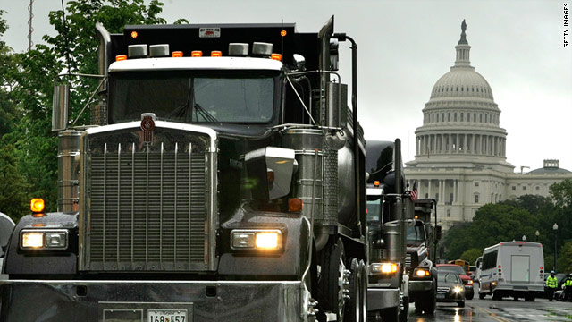 The National Transportation Safety Board is recommending a ban of cell phone use by truckers while driving on the job.