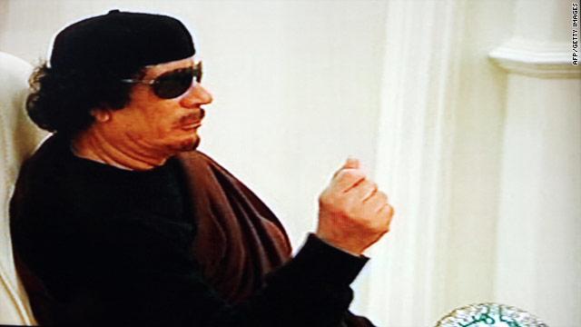 La Corte Penal Internacional solicita el arresto de Gadhafi