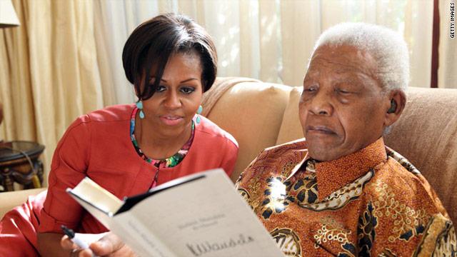 Michelle Obama se reúne con Nelson Mandela en Sudáfrica