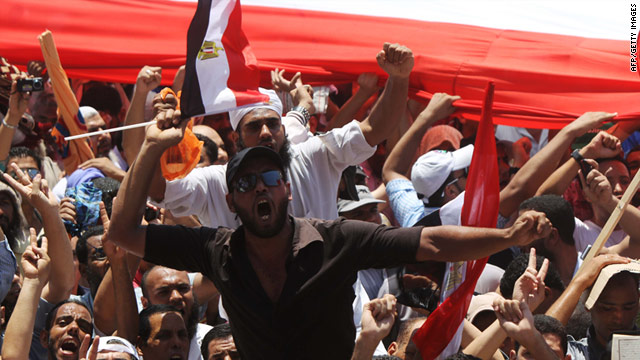 Egyptian Salafists rally in Cairo on July 29, 2011. They are in conflict with the more radical group, Takfir-wal Higra.