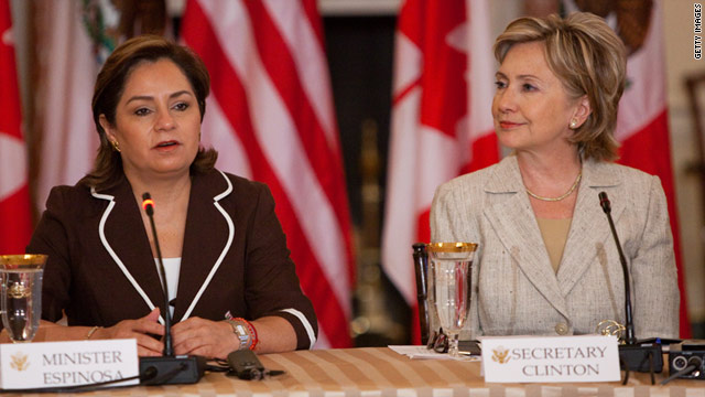 Hillary Clinton hosts a meeting with Mexican Foreign Minister Patricia Espinosa (L) in Washington, DC on July 16, 2009.
