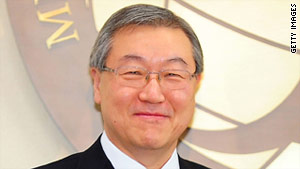 Foreign Minister Kim Sung-Hwan said he wants to put five captured Somali pirates on trial in South Korea.