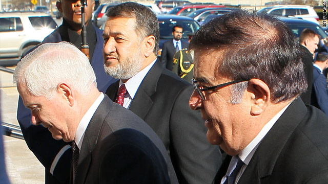 Abdul Rahim Wardak (R) has told Robert Gates (L) that Afghanistan will continue to need help from the U.S. after 2014.
