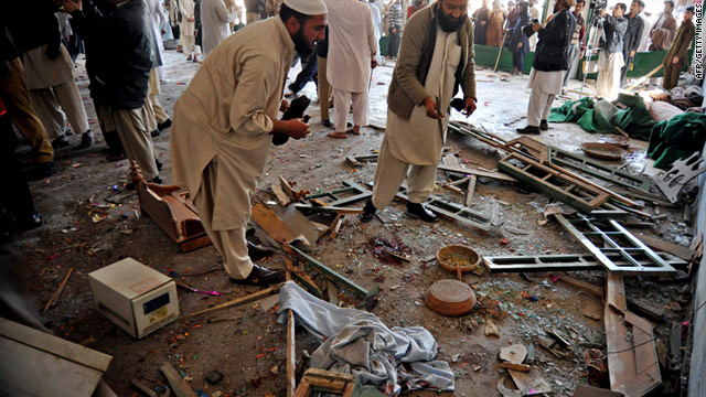 An explosion at a mosque in northern Pakistan on Friday killed at least nine people and wounded 33 others.