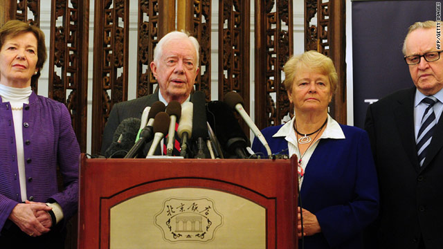 Mary Robinson, Jimmy Carter, Gro Brundtland and Martti Ahtisaari, shown at a news conference, are headed to Pyongyang.