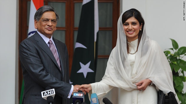 Pakistan Foreign Minister Hina Rabbani Khar shakes hands with Indian Foreign Minister S. M. Krishna prior to the meeting.