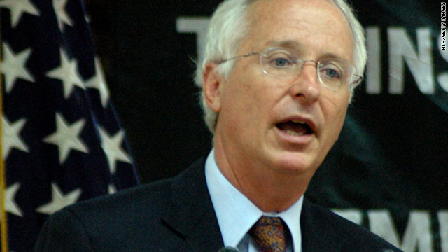 The U.S. ambassador to Pakistan, Cameron Munter, was temporarily detained at the Islamabad airport last week.