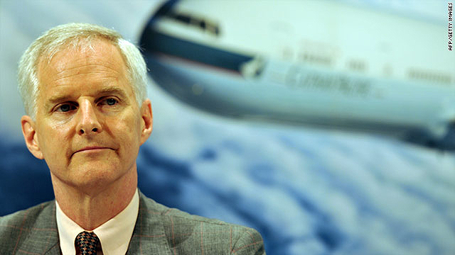 Cathay Pacific chief executive John Slosar says employees involved in the sex photos scandal have left the company.