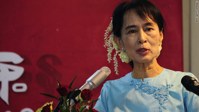 Aung San Suu Kyi urged support for Myanmar from global investors in recorded message to the World Economic Forum.