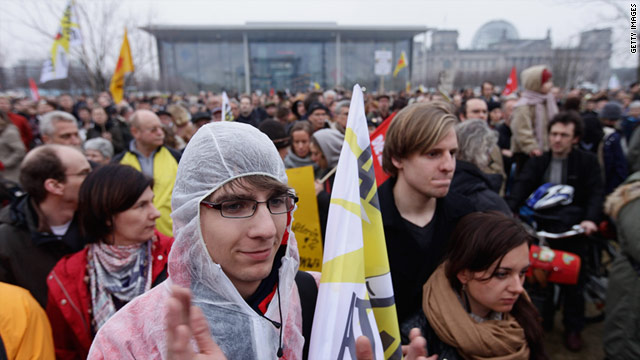 Anti-nuclear activists demonstrate in front of the German Chancellery on the evening of Monday, March 14.
