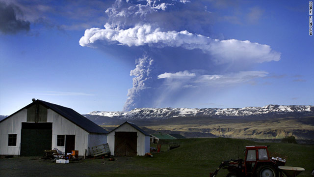 A cloud of smoke and ash rises over the Grimsvotn volcano in Iceland on Saturday.
